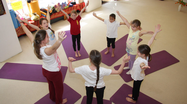 Kinderyogalehrer Ausbildung vom 17. – 19.05.2019 in Berlin und 30.08. – 01.09.2019 in Hannover mit Miriam Datt